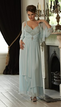 Chiffon evening dress with a sexy sweetheart neckline. Evening Dress