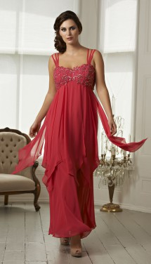 Glamorous full length evening gown in chiffon. Evening Dress